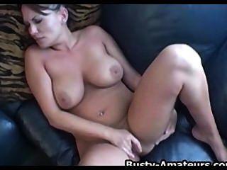 संचिका लेस्ली उसके स्तन और गर्म बिल्ली खेलने