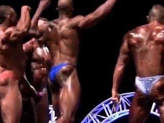 muscledad टिम: 2014 एनपीसी डेक्सटर जैक्सन बी बी posedown mens