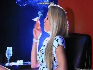 धूम्रपान बुत