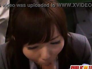 जापानी सुंदर लड़की Yuuna सार्वजनिक सेक्स आनंद मिलता है japan-adult.com/pornh