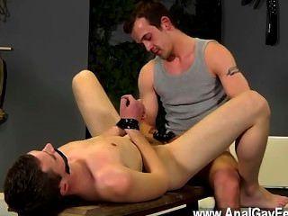 समलैंगिक नंगा नाच Aiden भी इस चलचित्र में दंड का एक बहुत हो जाता है, उसके होने