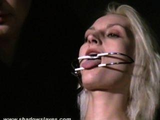 चरम सुई यातना और गंभीर में गोरा slavegirl के कट्टर बीडीएसएम