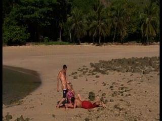 समुद्र तट पर समलैंगिकों