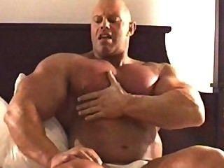 muscledad ब्रैड