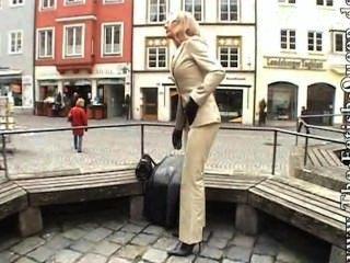 चमड़े की पैंट सूट