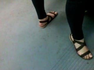 मेट्रो में अच्छा पैर