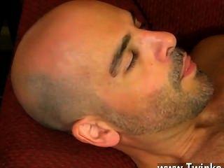 समलैंगिक फिल्म वह अपने ही होंठ लपेटकर से पहले अपनी छड़ी चूसना करने के लिए फिलिप हो जाता है