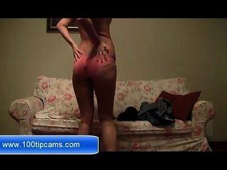 कामुक गोरा लड़की वेब कैमरा मुक्त 100tipcams.com पर एक महान सेक्स शो पेश