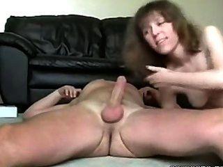 सेक्सी सींग एमआईएलए बेकार है और उसके पति मुर्गा