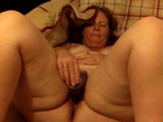 बड़े गधे लाल सिर पत्नी milf dildo के साथ masturbates