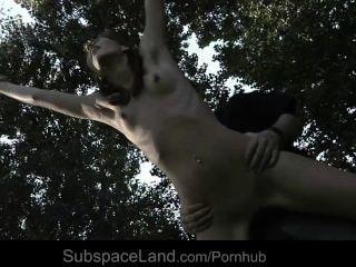 सेक्सी पतला गुलाम एस्पेन बाध्य और बंधन कल्पना के लिए शोषण
