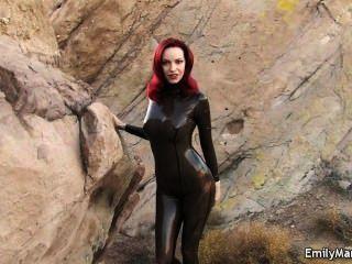 एमिली मर्लिन बुत मॉडल लेटेक्स Catsuit