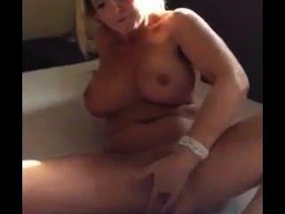 बड़े स्तन के साथ सींग डच गोरा 20 सेकंड में धार