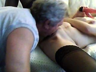 पिता कदम जल्दी घर और मेरी बिल्ली और गुदा licks