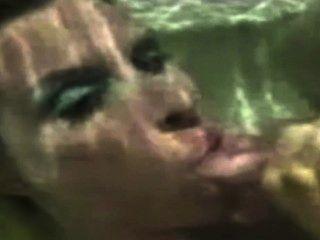 HD में पानी के नीचे Cumpilation