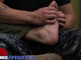 पैर रगड़ कमबख्त की ओर जाता है