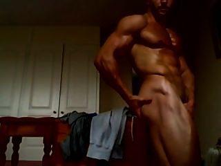 एडम चार्लटन नग्न poses