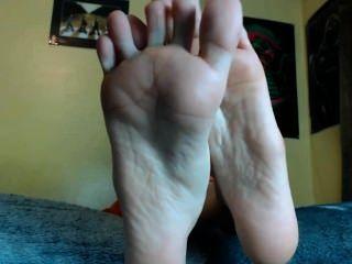 मेरे पैर की पूजा करते हैं और झटका बंद