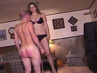 लंबा महिला द्वारा spanked