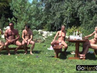 कोलेट बगीचे पार्टी भाग 3
