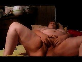 गर्भवती बीबीडब्ल्यू hinden कैम पर गीला बिल्ली के साथ खेलता है