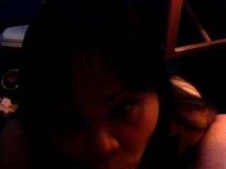 Filipina मेरी लोड निगलने