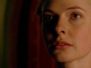 एमिली बैरिंगटन सफेद रानी नग्न 720p HD