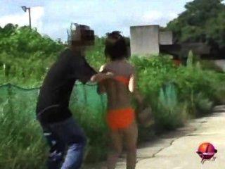 在 公共 場合 拉 女孩 的 內褲 下來 sharking