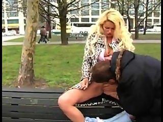 जनता में जर्मन गोरा सेक्स
