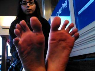 सेक्सी भारतीय महिला पैर काले पैर की उंगलियों