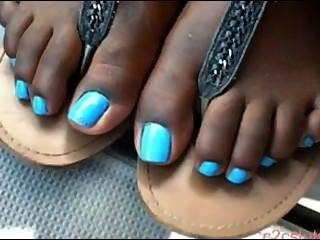 काली लड़की नीले toenails