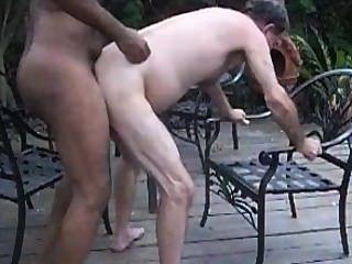 जीबीएम आँगन पर परिपक्व सफेद आदमी कच्चे fucks (gbmfksdhv01smll)