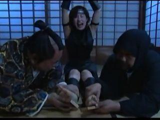 जापानी पैर गुदगुदी - मुख्यधारा