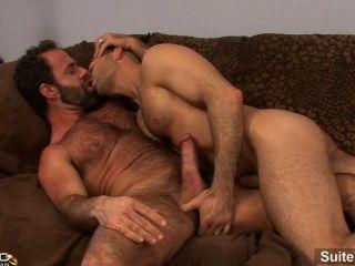 लंपट शादीशुदा पुरुष एडम रूस एक सींग समलैंगिक डोजर भेड़िया द्वारा किसी न किसी हो जाता है