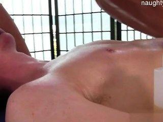 जवान आदमी गधा सेक्स
