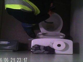डिलीवरी ड्राइवर एक पेशाब ले जा छिपे हुए कैमरे