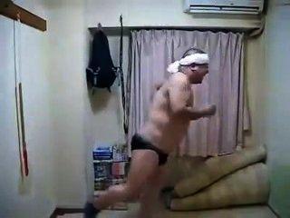 कामुक कामुक जापानी पुरुष नाच