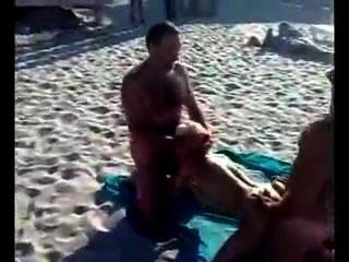 beatch पर रूसी असली सार्वजनिक त्रिगुट बकवास