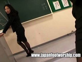 पैर कक्षा में महिलाओं का दबदबा