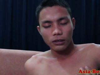 एशियाई किशोर twink गधे barebacked
