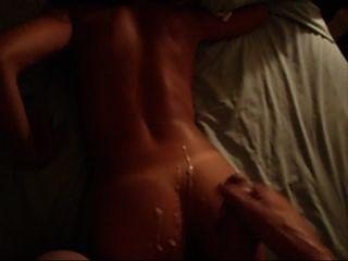 सेक्सी गधे पर गर्म मोटी cumshot