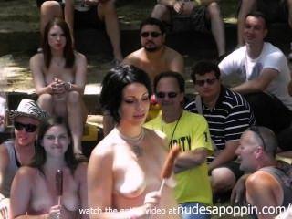 भयानक शौकीनों संभोग और blowjob प्रतियोगिता
