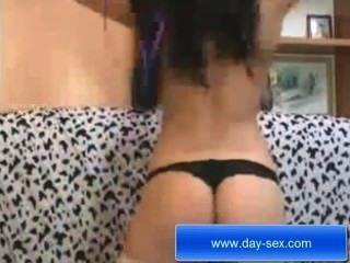 कैमरा के सामने XXX लाइव हस्तमैथुन