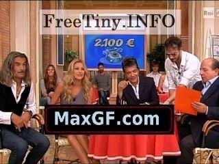एड्रियाना Volpe - गर्म इतालवी टीवी प्रस्तोता (1)
