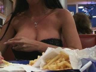 बर्गर किंग में चमकती
