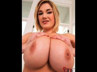 बड़े स्तन डिलाईट - सिरी samshed 1
