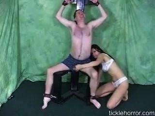 लड़कियों आदमी बांध गुदगुदी