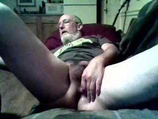 बूढ़े आदमी और उसके खिलौना