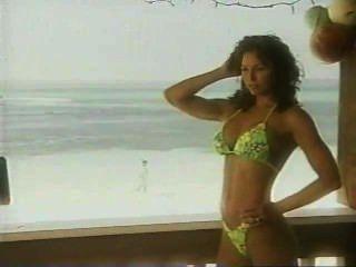 WCW नाइट्रो लड़कियों कैलेंडर पीपीवी विशेष