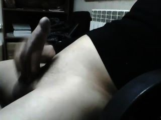 सींग का आदमी वेब कैमरा में अपने मुर्गा हस्तमैथुन!
